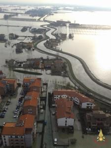 vigili_del_fuoco_alluvione_2