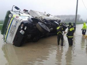 camion_protezione_civile_ribaltato
